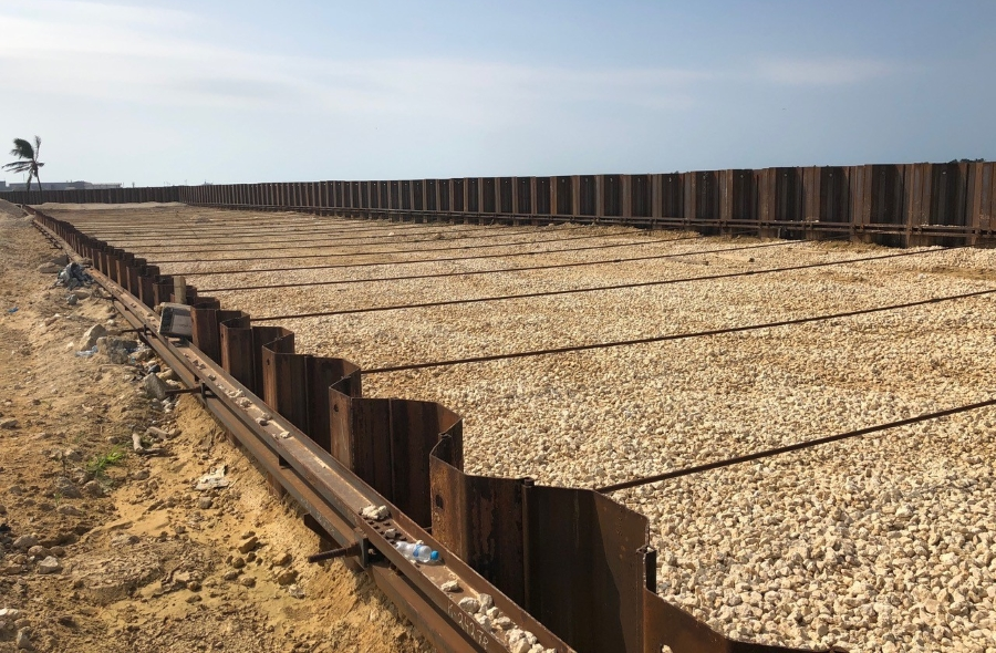 Double sheet pile wall for Riverwalk in Colombia